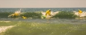 HazMat Takımı İle Sörf Yapan Sörfçüler, Okyanus Sularının Hastalık Taşımasına Dikkat Çekti