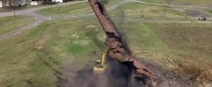 İş Makinesiyle Yıktığı Bacanın Altında Kalan Adamın Drone'la Çekilmiş Görüntüleri