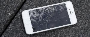 Apple'dan Hasar Alan iPhone'lar İçin 'Beklenmedik' Açıklama: Tamam Hadi Getirin, Parası Neyse Veriyoruz