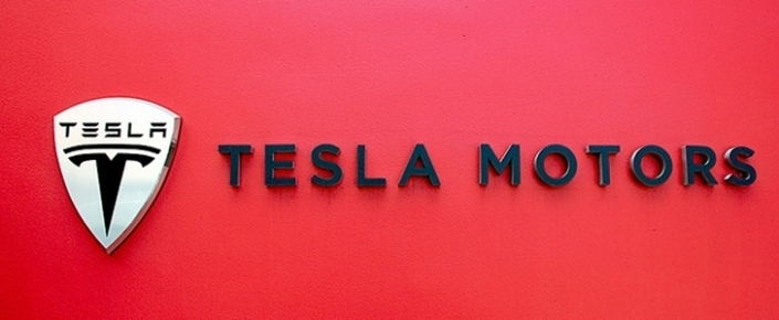 Tesla Motors Domainini Ald