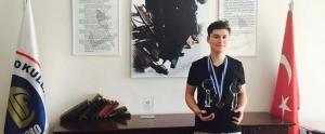 TÜBİTAK'ın Projesini İplemediği 10. Sınıf Öğrencisi, 2 Ödül Birden Kazandı