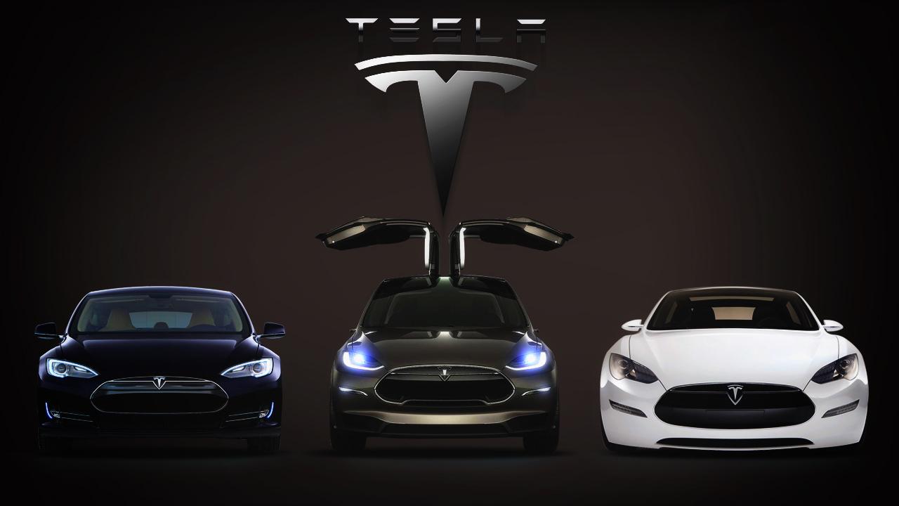 Yepyeni Ve Efsane Bir Tesla Geliyor