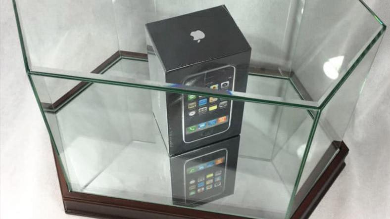 Ambalajından Çıkmamış Orijinal Bir iPhone'a Biçilen Fiyat 68 000 TL