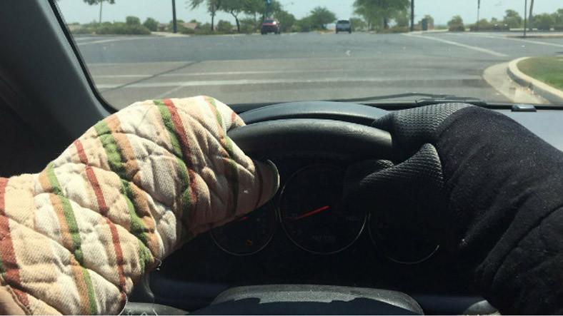 47 Dereceyle Alev Alev Yanan Arizona'da İnsanların Sıcakla Eğlenceli Baş