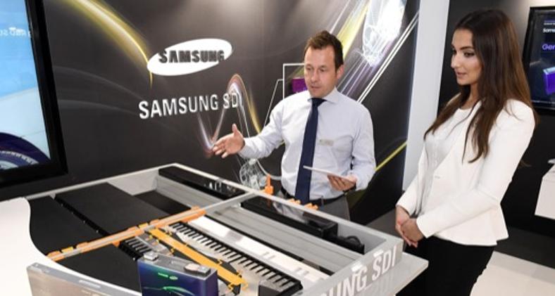 Samsung 600KM Yol Sağlayan Araba Bataryası Yaptı