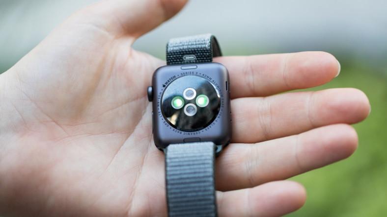 Yeni Saati quot Bozuk quot Çıkan Apple Borsada Düşüşe Geçti