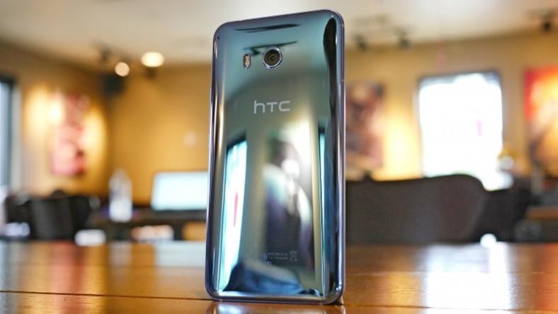6 inçlik Çerçevesiz HTC U11 Plus Kasım Ayında Gelebilir