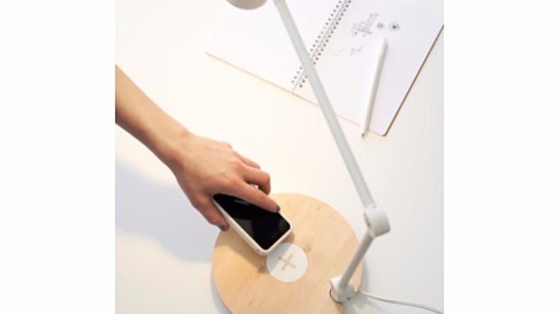Yeni iPhone'lar IKEA'nın Lambasında Kablosuz Olarak Şarj Edilebiliyorlar