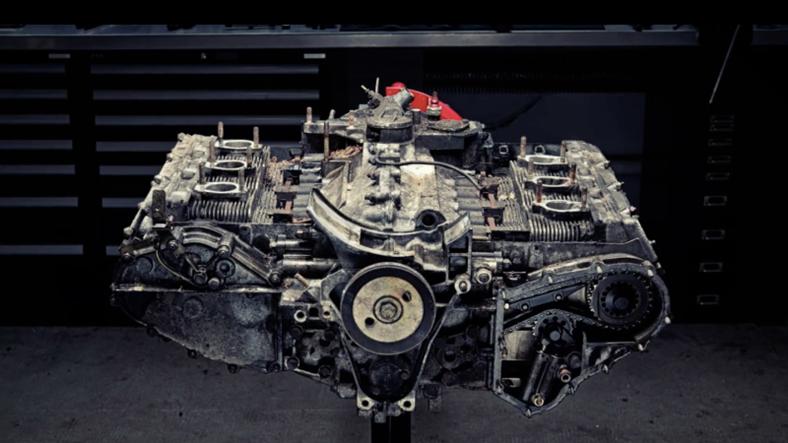 Porsche 911 Motorunu Parçalarına Ayırdılar Video