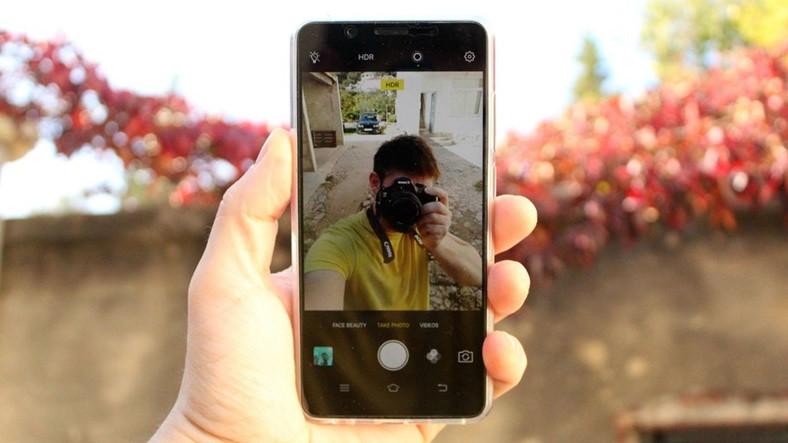 Vivo'nun 24 MP'lik Selfie Kamerası İşe Yarar mı
