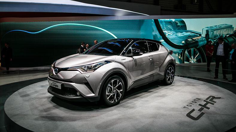 Toyota,  C-HR Ve Prius  Araçlarını Geri Çağırıyor!