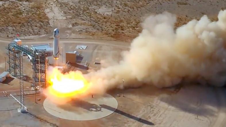 Blue Origin, İnsanları Turist Olarak Uzaya Göndereceği Shepard Roketini Başarıyla Test Etti!