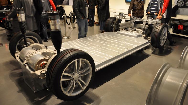 Tesla Otomobillerin Pilleri 260 Bin Kilometrede Bile 90 Kapasitenin Altına