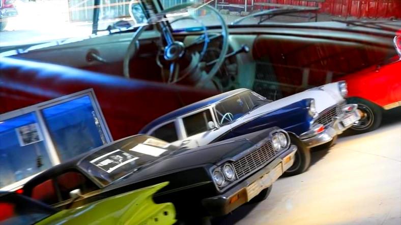 Eski Arabaları Birer Sanat Eserine Dönüştüren Klasik Araba Tamircisi Adam