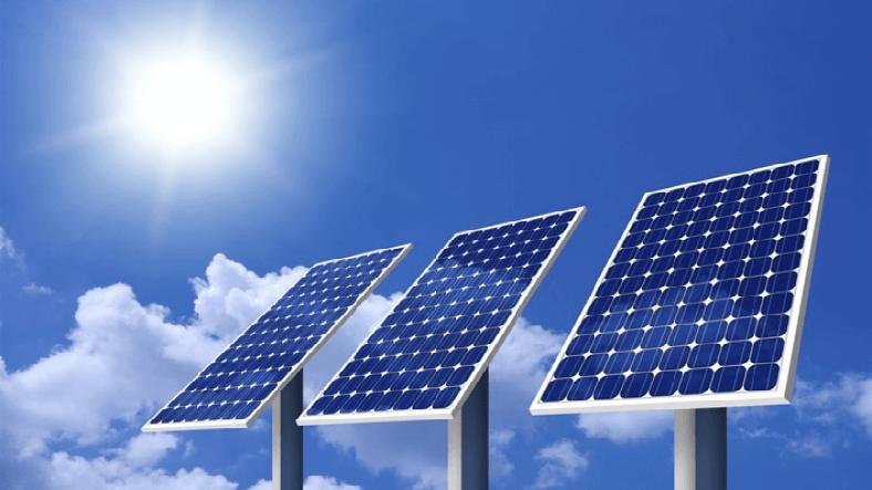 Güneşsiz Günlerde Yağmur Damlalarından Enerji Toplayan Güneş Paneli Geliştirildi!