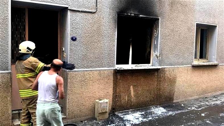 İzmir'de Şarjda Unutulan Powerbank, Patlayarak Bir Evi Kül Etti
