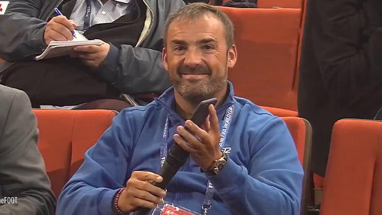 Bir Muhabir Ünlü Futbolcu Antoine Griezmann'a Google Translate İle Soru