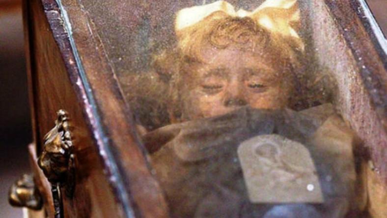 100 Yıl Sonra Gözlerini Açtığı İddia Edilen, Hikayesiyle de Tüyler Ürperten Mumya
