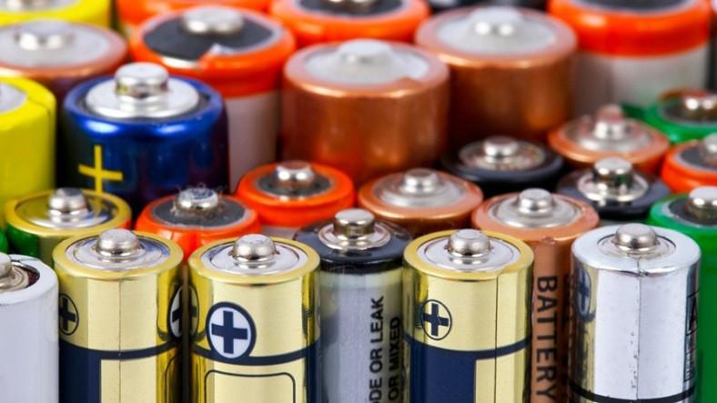 Bilim İnsanları, Daha Hızlı Şarj Olup İki Katı Daha Fazla Enerji Depolayabilen Piller Üretti