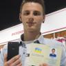 """Ukrayna'da Bir Adam Bedava iPhone 7 İçin Adını """"iPhone Yedi"""" Yaptı!"""