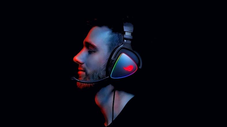 ASUS Rog, Oyunculara Özel Kulaklıkları 'ROG Delta' ve 'ROG Delta Core'u Duyurdu