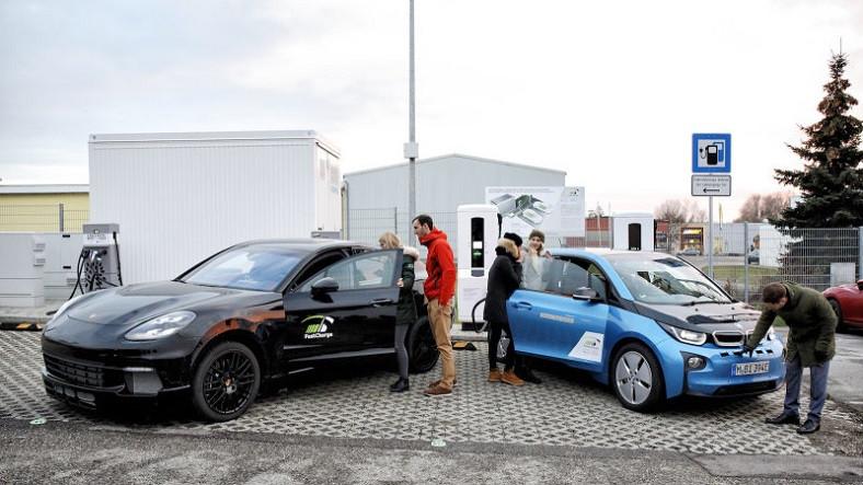 BMW ve Porsche, Birlikte Ultra Hızlı Şarj İstasyonu Üretecek
