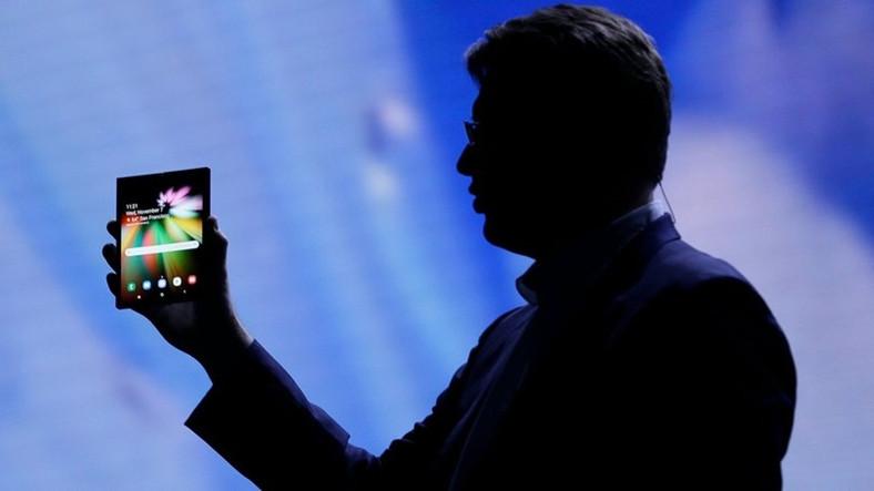 Samsung'un Katlanabilir Akıllı Telefonu Galaxy F'in Fiyatı ve Detayları Ortaya Çıktı