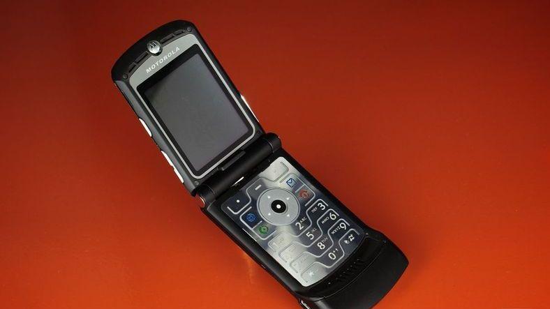 Motorola RAZR Geri Dönüyor (O Nasıl Fiyat)