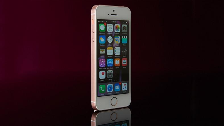 iPhone SE, Tekrardan Satışa Çıkar Çıkmaz Tükendi