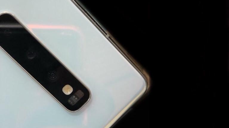 Beyaz Samsung Galaxy S10 Kanlı Canlı Görüntülendi