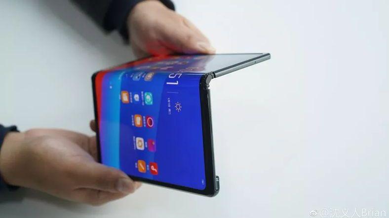 Katlanabilir Telefonlar İçin ÖTV Ödenecek mi?