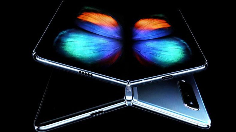 Samsung, Apple ve Google İçin Katlanabilir Ekran Üretecek