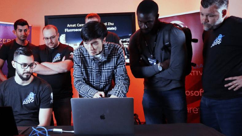 Hackerlar, Pwn2Own'da 270.000 Dolar Ödül Kazandı