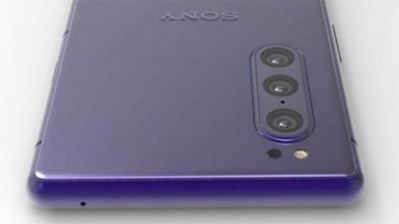 Sony, Üç Kameralı Bir Telefon Üzerinde Çalışıyor