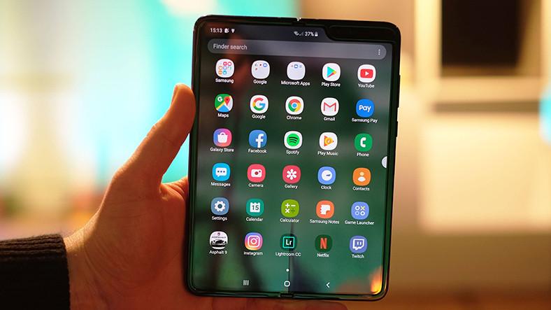 Samsung, Galaxy Fold'un Ekran Sorunlarını Nihayet Düzeltti