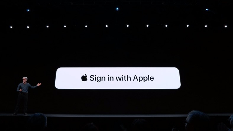 Apple, Face ID ve Touch ID ile iCloud'a Girişi Test Ediyor