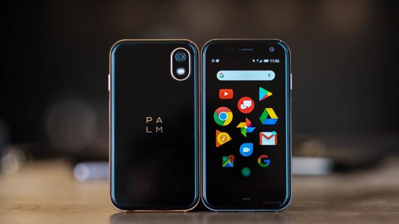 Dünyanın En Küçük Telefonu Palm, Türkiye'de Satışa Çıktı