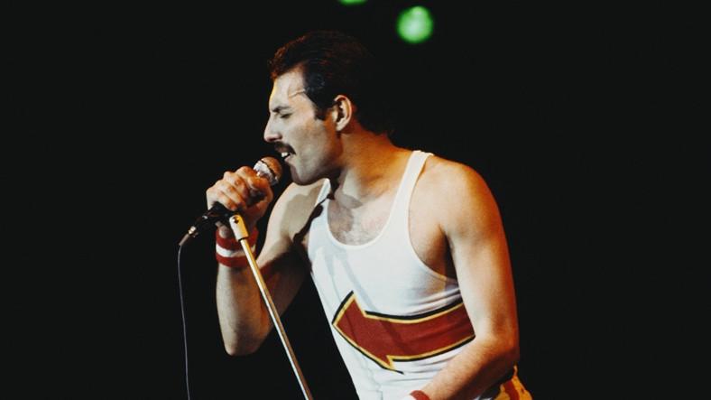 Sesinizin Freddie Mercury'e Ne Kadar Benzediğini Görün