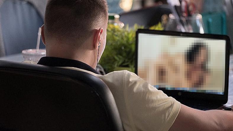 Hackerlar Siz Porno İzlerken Kameranıza Ulaşabiliyor