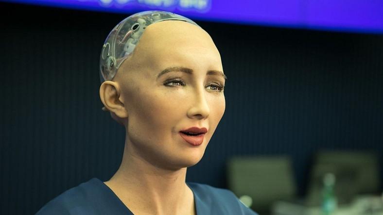 İnsansı Robot Sophia, Şimdi de Portre Çizmeye Başladı