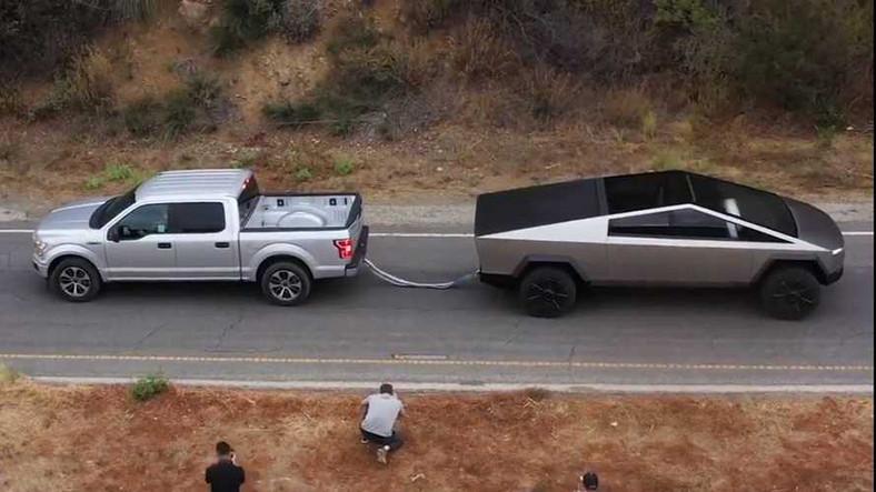 Ford F-150 ile Cybertruck'ın Rövanş Maçı İçin Bahis Açıldı