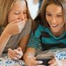 Küçük Kız, Arkadaşıyla Paylaştığı Çıplak Fotoğrafı Okulda Yayılınca İntiharın Eşiğine Geldi!