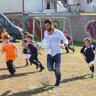 Mahalle Maçı Yapan Miniklere Arda Turan'dan Efsane Süpriz