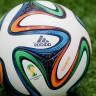 Adidas'ın Dünya Kupası Topu Üzerinde Kamera'ya Sahip