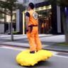 Hoverboard'unu Goku'nun Uçan Bulutuna Dönüştüren Yenilikçi Cosplayer!