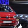 Volkswagen Konferansı'na, Emisyon Skandalına Gönderme Yapan Protestocu Damga Vurdu!