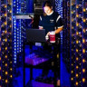 Google'ın Devasa Boyuttaki Veri Merkezini Nasıl Yönettiğini Merak Ediyor musunuz?