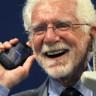 """Cep Telefonunun Mucidi Marty Cooper: """"Akıllı Telefonları Sürekli Şarja Takmak Çok Sinir Bozucu"""""""