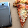 Samsung, İşletim Sistemini Güncelleyene Dominos'tan Pizza Ismarlıyor!