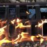Şimdiye Kadar Üretilen Tüm iPhone Modellerini Benzin Döküp Yakan Psikopat